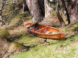 How to lightweight a canoe: Eureka lightweight easy to build plywood canoe: storerboatplans.com