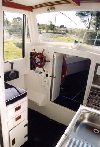 Mundoo 3 large solar electric cruising boat. Plan DIY
