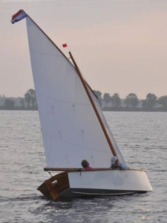 lug sails at very competitive prices - reallysimplesails.com