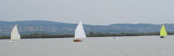 Ozracers in Hungary - simple cheap sailboat - storerboatplans