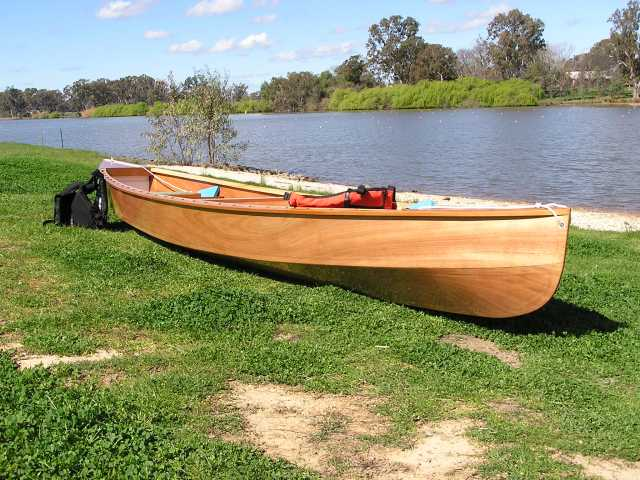 Eureka Canoe has a hollow entry like a classic canoe. storerboatplans.com