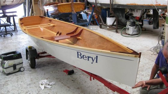 15 1/2 ft Rowboat - easy, pretty, plywood Rowboat Plan ...