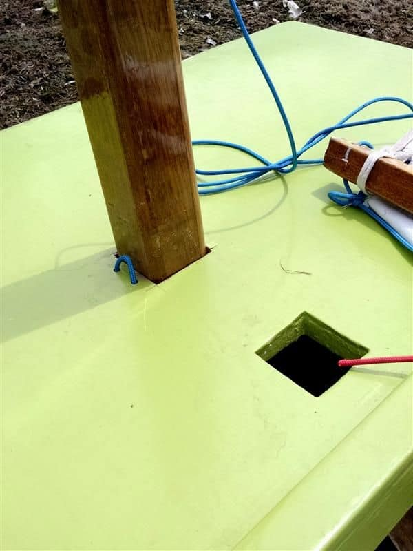 Deck attachments without any stainless steel fittings. Goat Island Skiff.